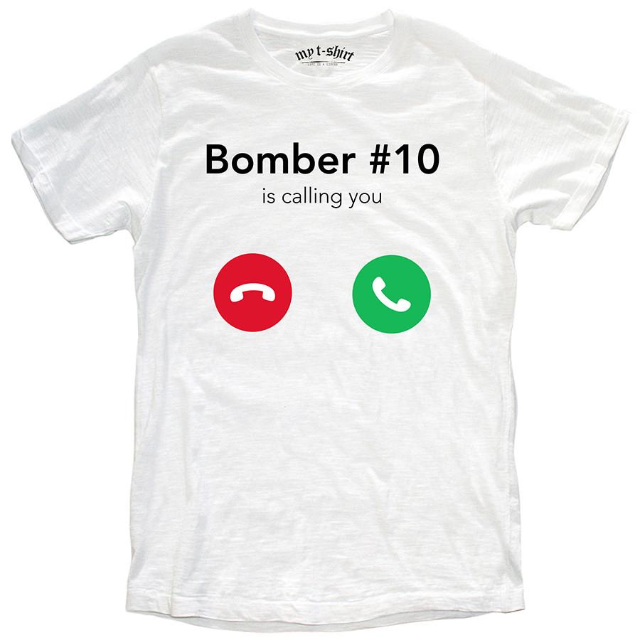 T-shirt malfile'grafica uomo bomber is calling bianco