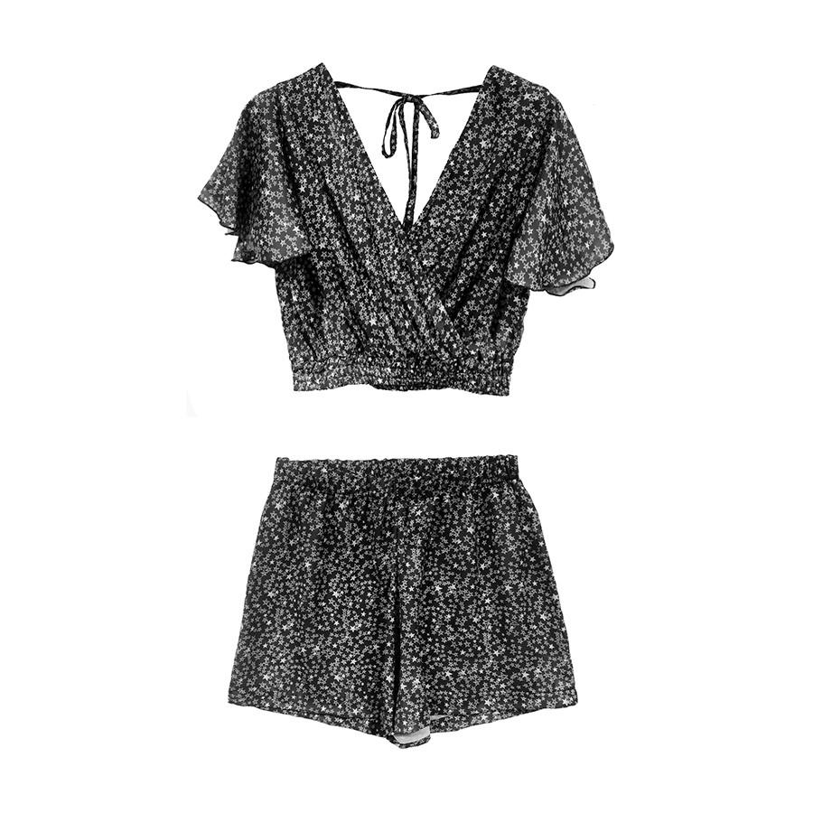Completo donna blusa con rouches e shorts stampa nero / stelline