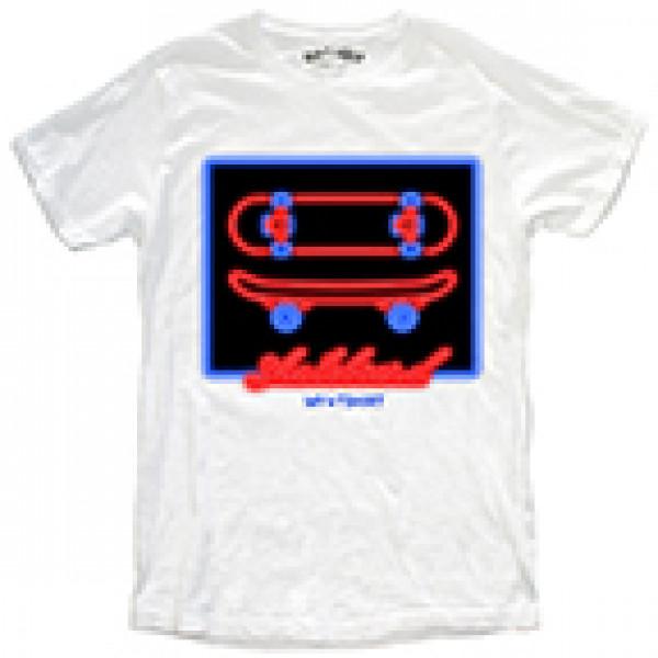 T-shirt malfile' grafica boy skateboard neon bianc